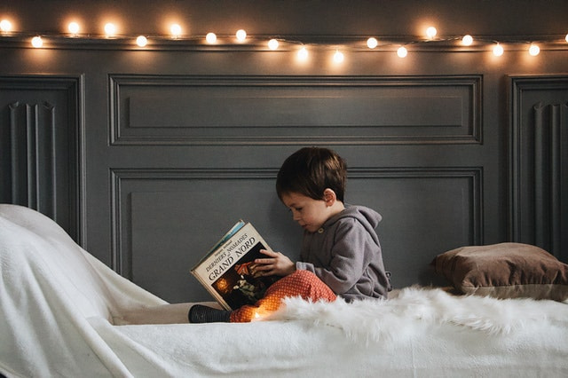 Best Book Lights for Reading in Bed